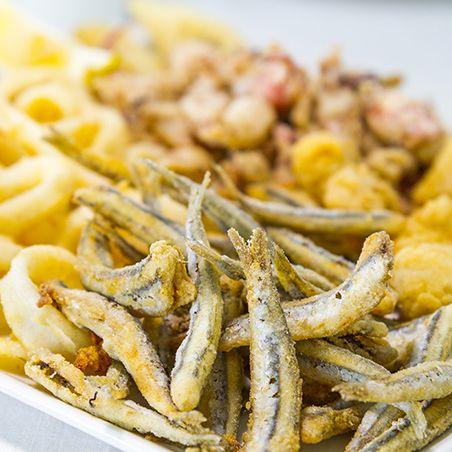 Comer pescado en el trasmallo.