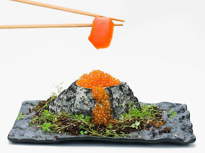 Comer marisco japonés.