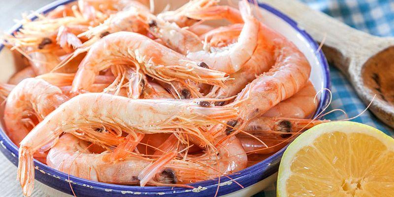 Comer gambas en Huelva.
