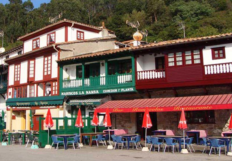 Restaurante Rompeolas de San Roque en Asturias.