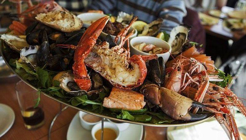 Los puertos de Alicante son un excelente lugar para comer mariscos
