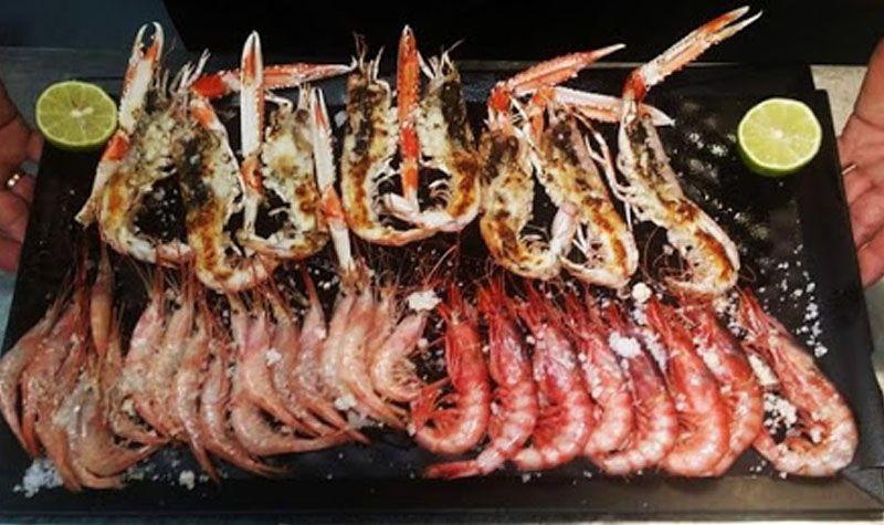 Come mariscos en Valentin, en Almería
