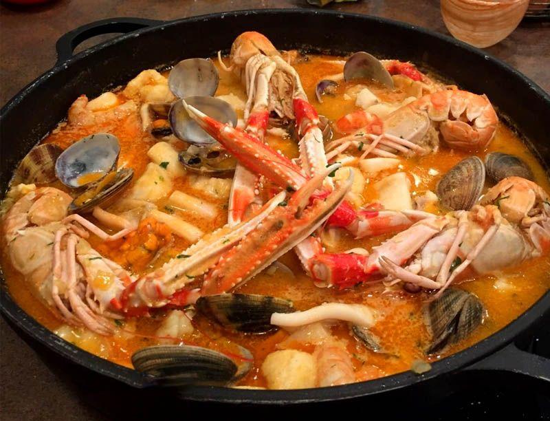 Una receta tipica es el caldero de pescado