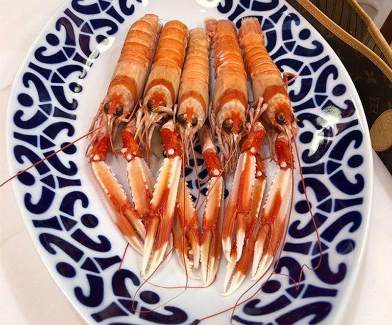 En Restaurant Rio Ulloa puede comer marisco en Coruña