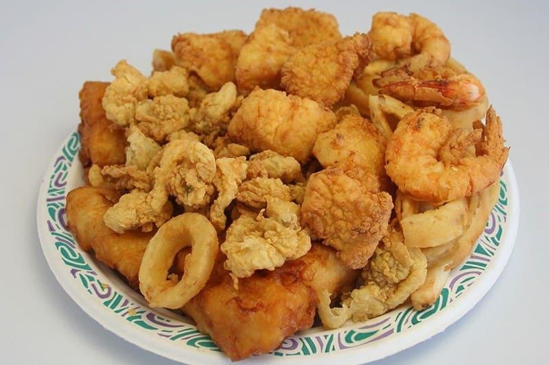 Calamares y bacalao frito en Clipper La Puntilla
