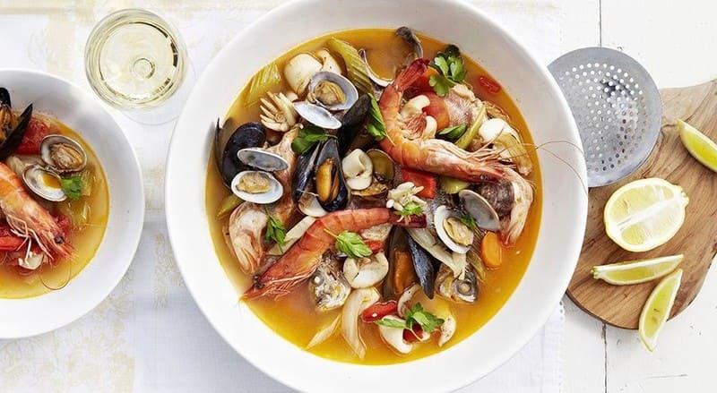 Disfruta la extensa gastronimía de Canarias