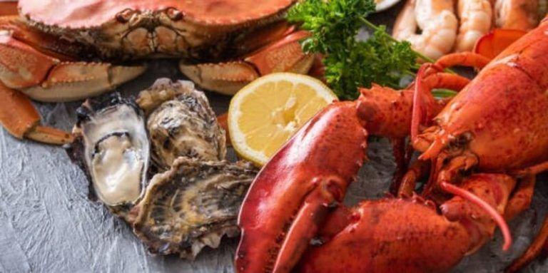 el langostino de sanlucar se ha convertido en la parada perfecta para los amantes del marisco fresco