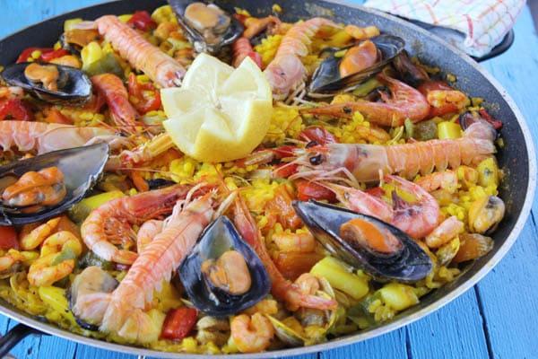 Paella con marisco